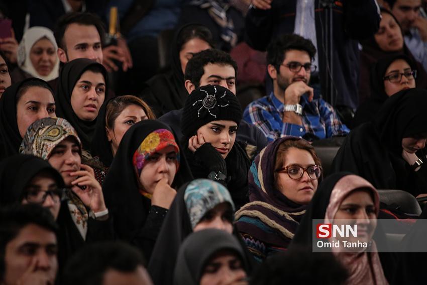 فیلم سینمایی منطقه پرواز ممنوع در دانشگاه ولیعصر (عج) رفسنجان اکران می گردد
