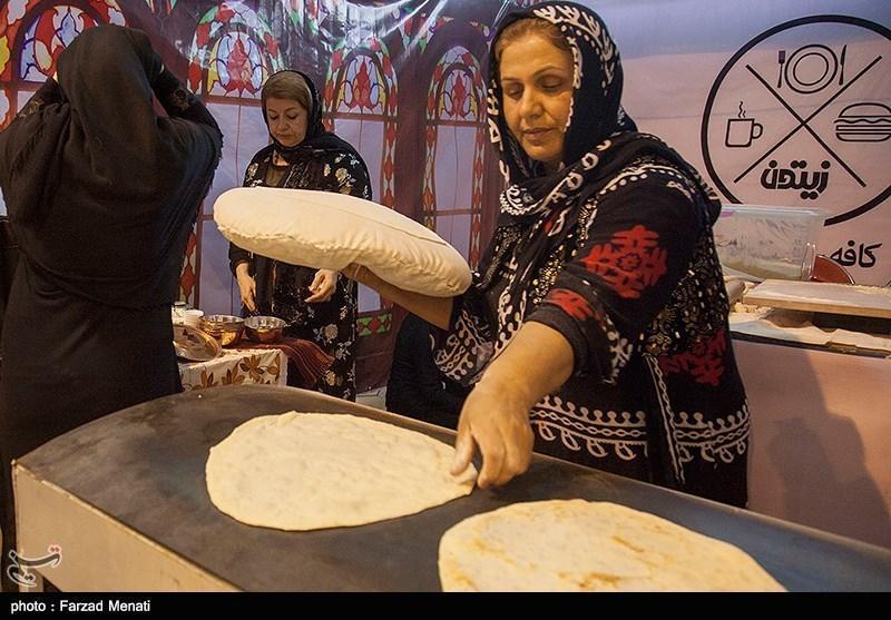 جشنواره سفره های ایرانی سبب احیا غذاهای سنتی ایرانی می گردد