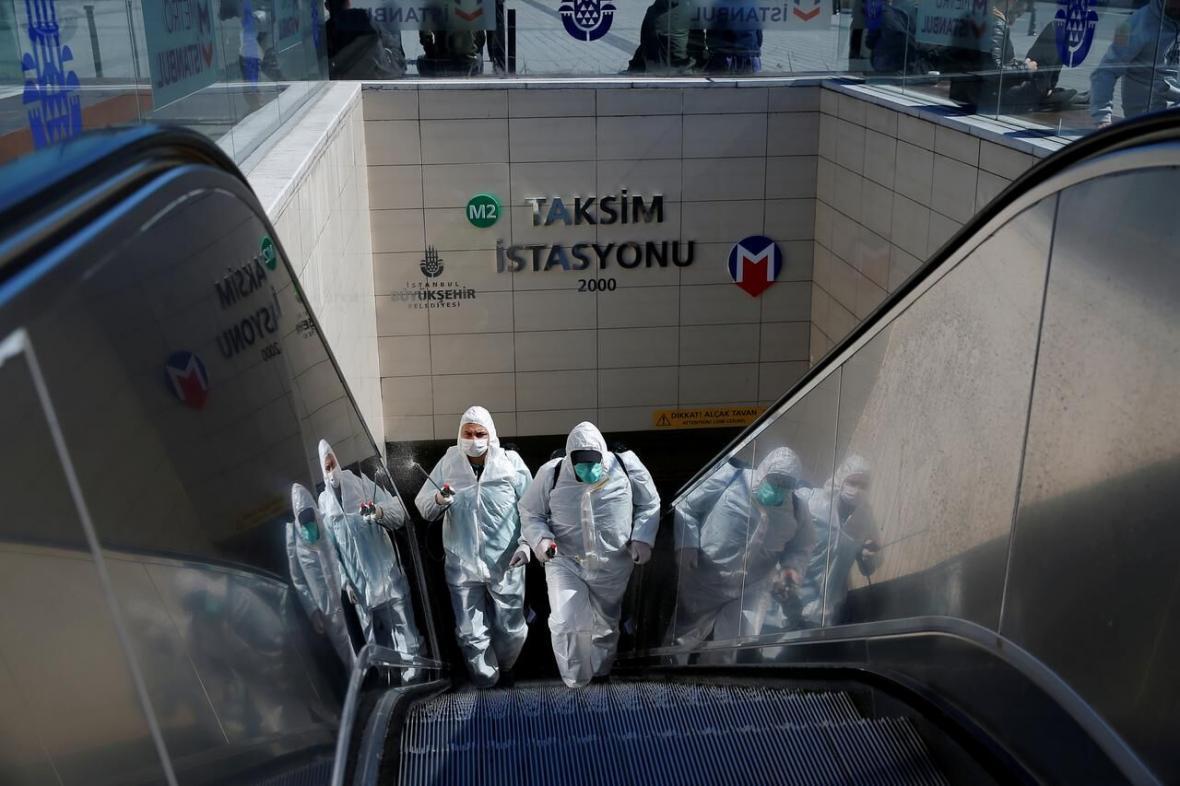 خبرنگاران شمار جان باختگان و مبتلایان کرونا در ترکیه افزایش یافت