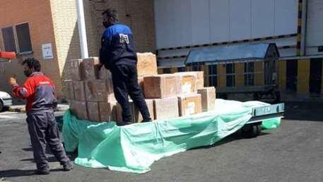 توزیع یک هزار بسته معیشتی توسط داوطلبان جمعیت هلال احمر لرستان