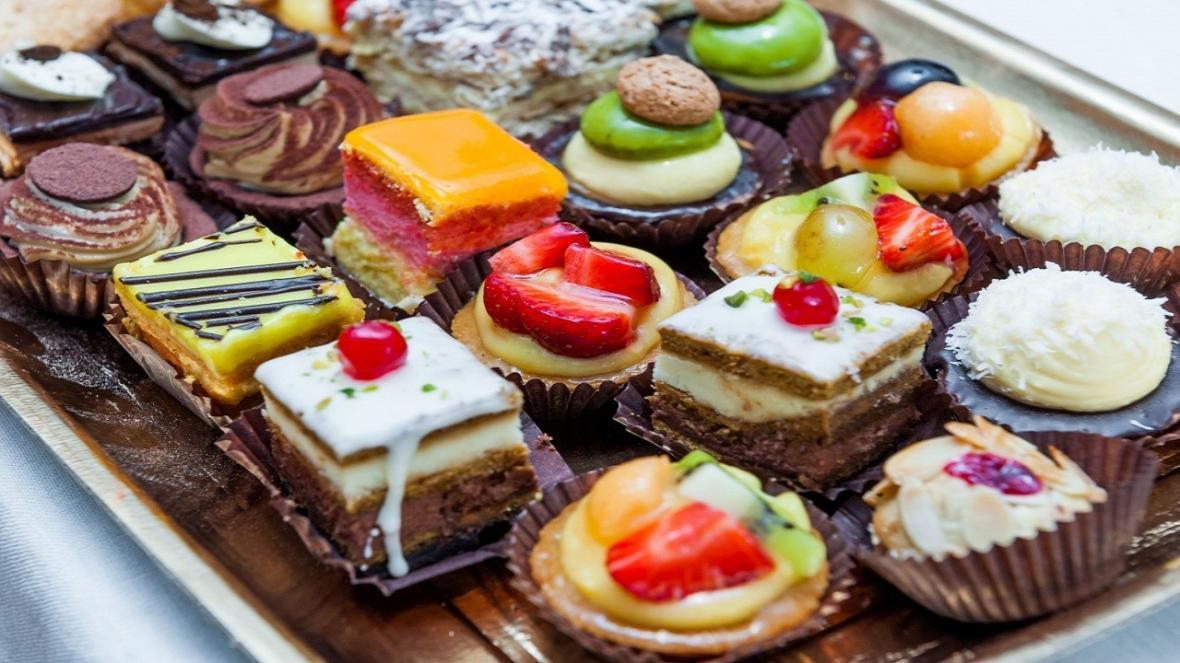 شیرینی چه بلایی بر سرمان می آورد؟
