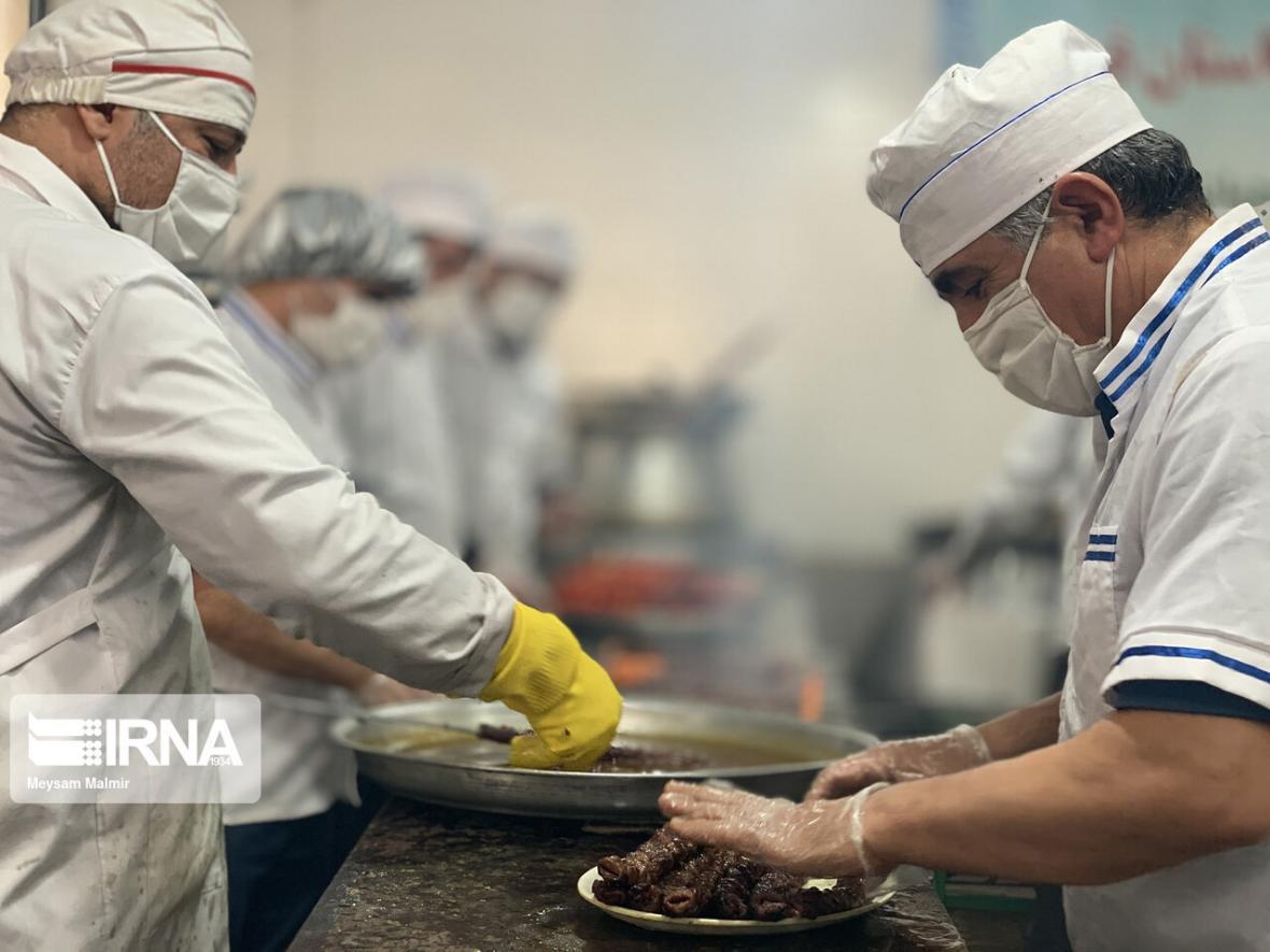 خبرنگاران ماه رمضان 10 هزار وعده غذای گرم بین نیازمندان ملایری توزیع می گردد