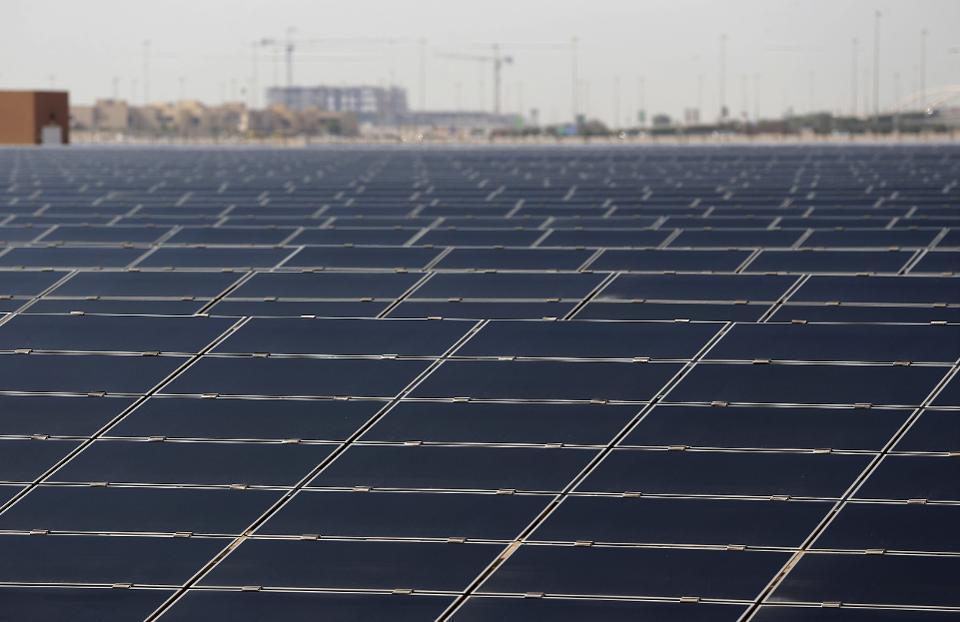 بزرگترین مزرعه خورشیدی جهان در ابوظبی