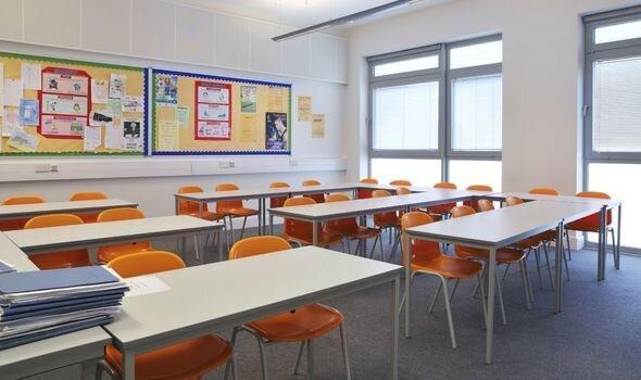 بازگشایی مدارس اوضاع انگلیس را متشنج کرد