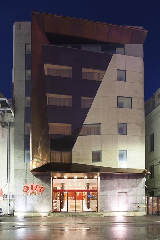 هتل اقامت قاضی منصوری کجا بود؟ ، درباره هتل Duke رومانی محل اقامت غلامرضا منصوری بیشتر بدانید