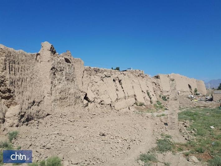 تخریب دیوار تاریخی باروی دامغان متوقف شد