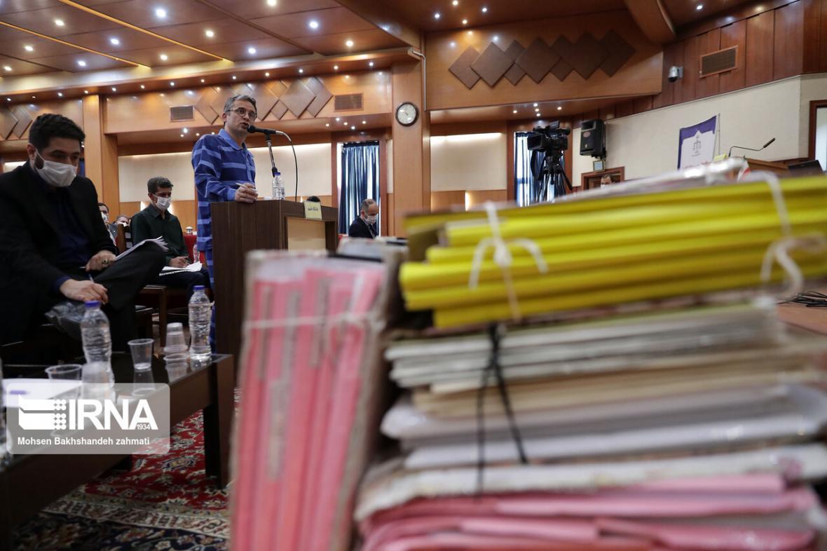 خبرنگاران چهارمین جلسه دادگاه هلدینگ آفتاب برگزار گردید
