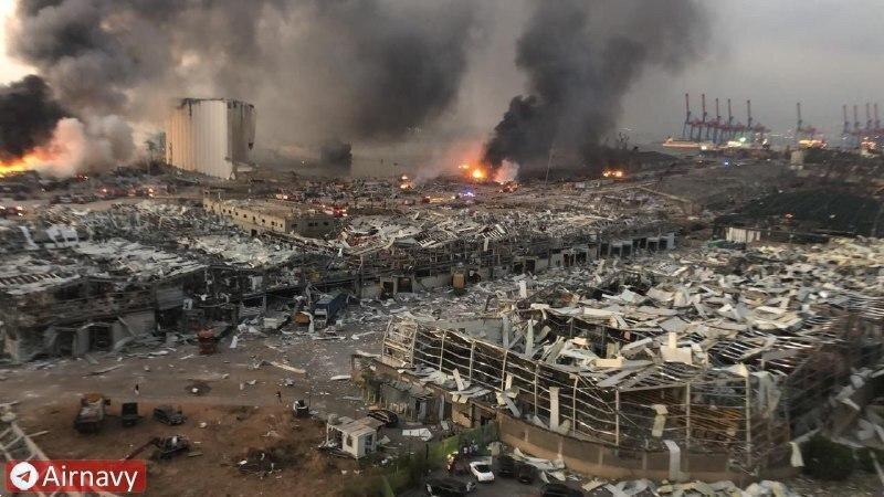 واکنش مقتدی صدر و حکیم به انفجارهای بیروت