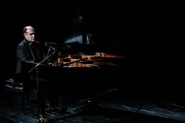 بداهه نوازی پیانو برای گرامیداشت یاد حضرت سیدالشهدا(ع)