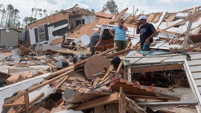 خبرنگاران سناتور کندی: ویرانی های طوفان لورا نفس ها را در سینه حبس می کند