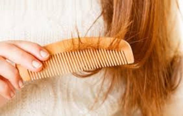 مهمترین فواید شانه کردن مو قبل از خواب که باید بدانید مهمترین فواید شانه کردن مو قبل از خواب که باید بدانید