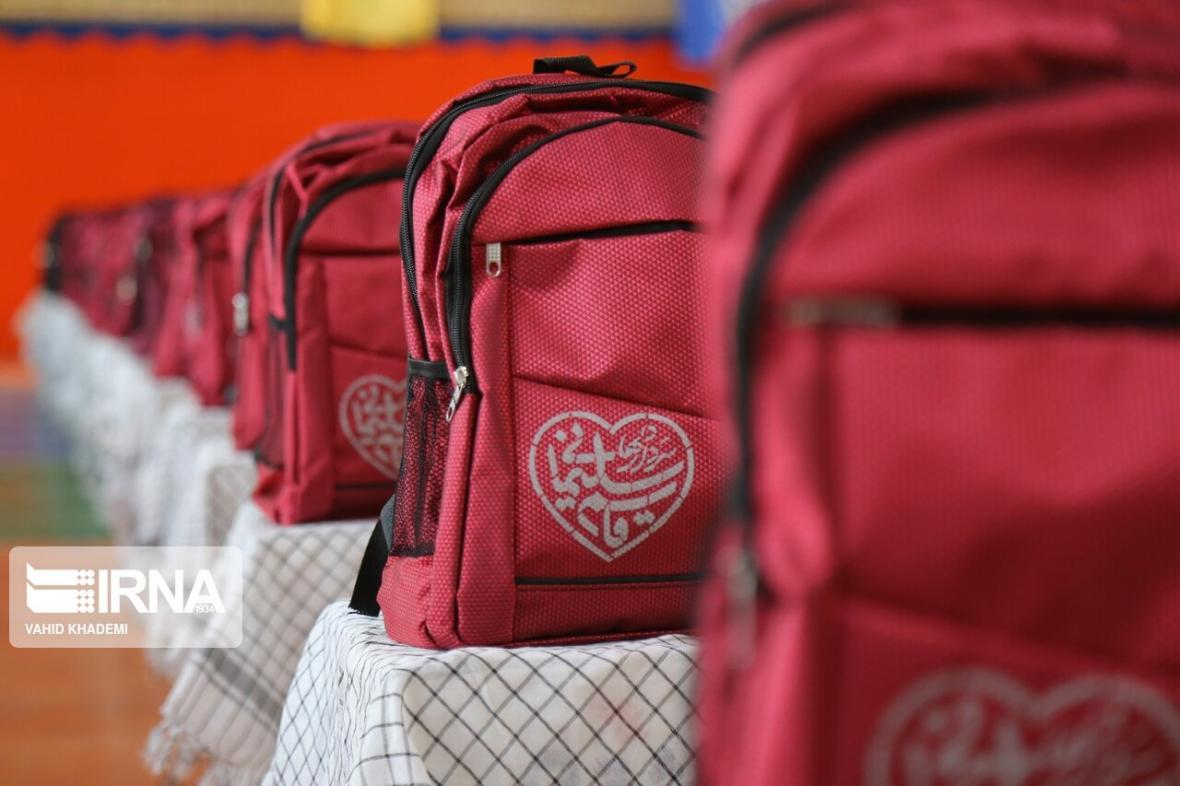 خبرنگاران تکمیل پازل مهربانی برای دانش آموزان بی بضاعت