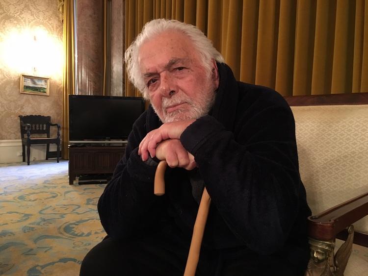 به بهانه 98 سالگی ابراهیم گلستان؛ با صد هزار مردم تنهایی