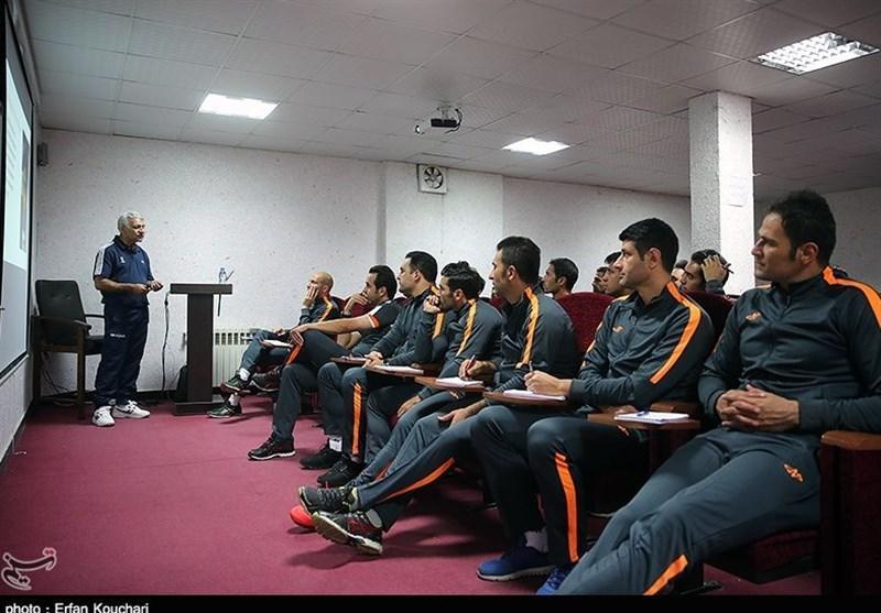 برگزاری دوره دانش افزایی آنلاین برای مربیان فوتبال
