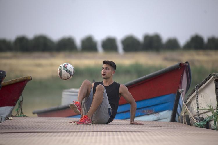 (عکس و فیلم) محمد اکبری کیست و چرا از ایران رفت؟