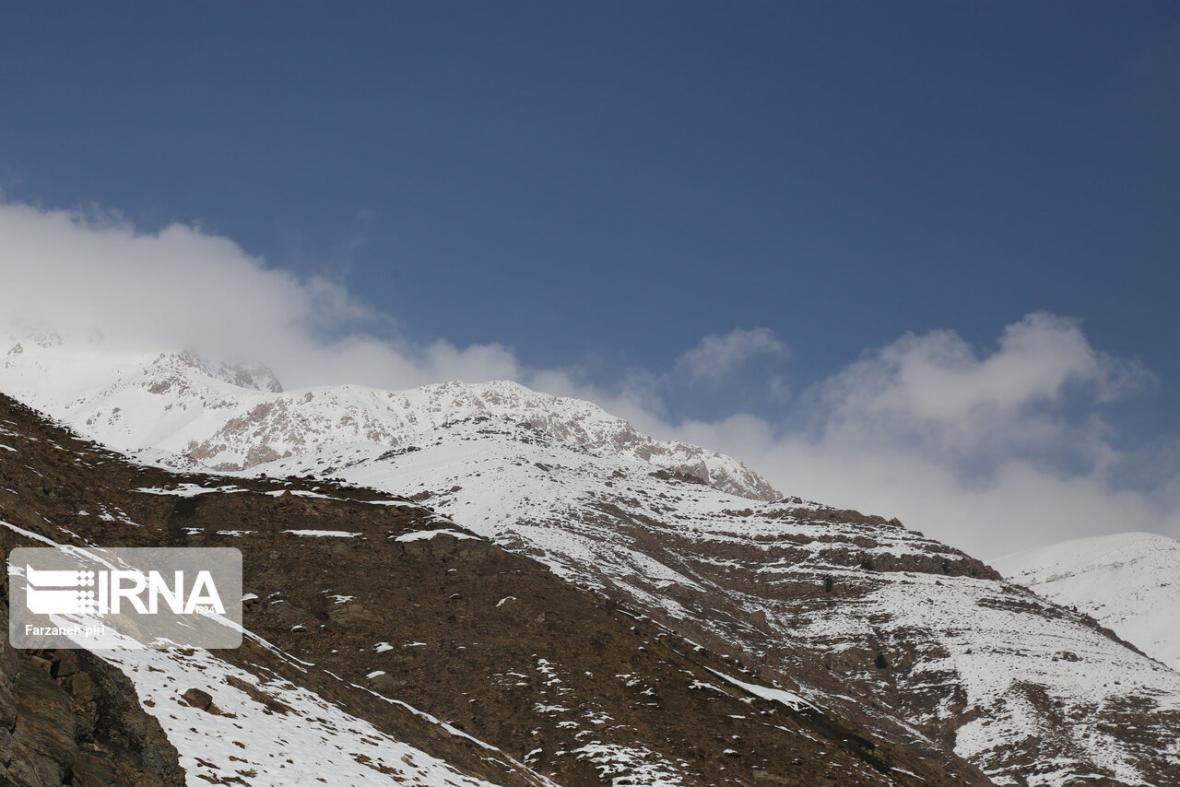 خبرنگاران بارش برف و باد و کولاک زنجان را فرا می گیرد