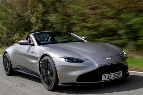 استون مارتین ساخت اتومبیل با موتور ICE را تا 2060 ادامه می دهد