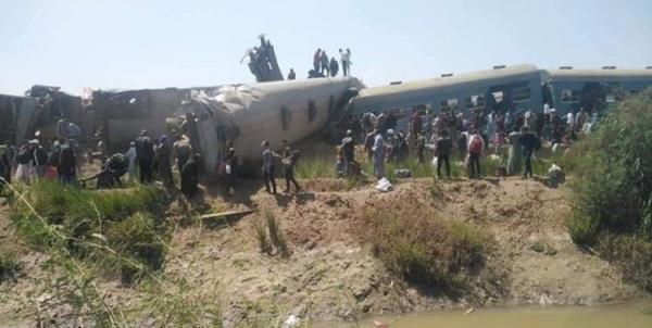(ویدئو) ده ها کشته و زخمی در برخورد دو قطار در مصر